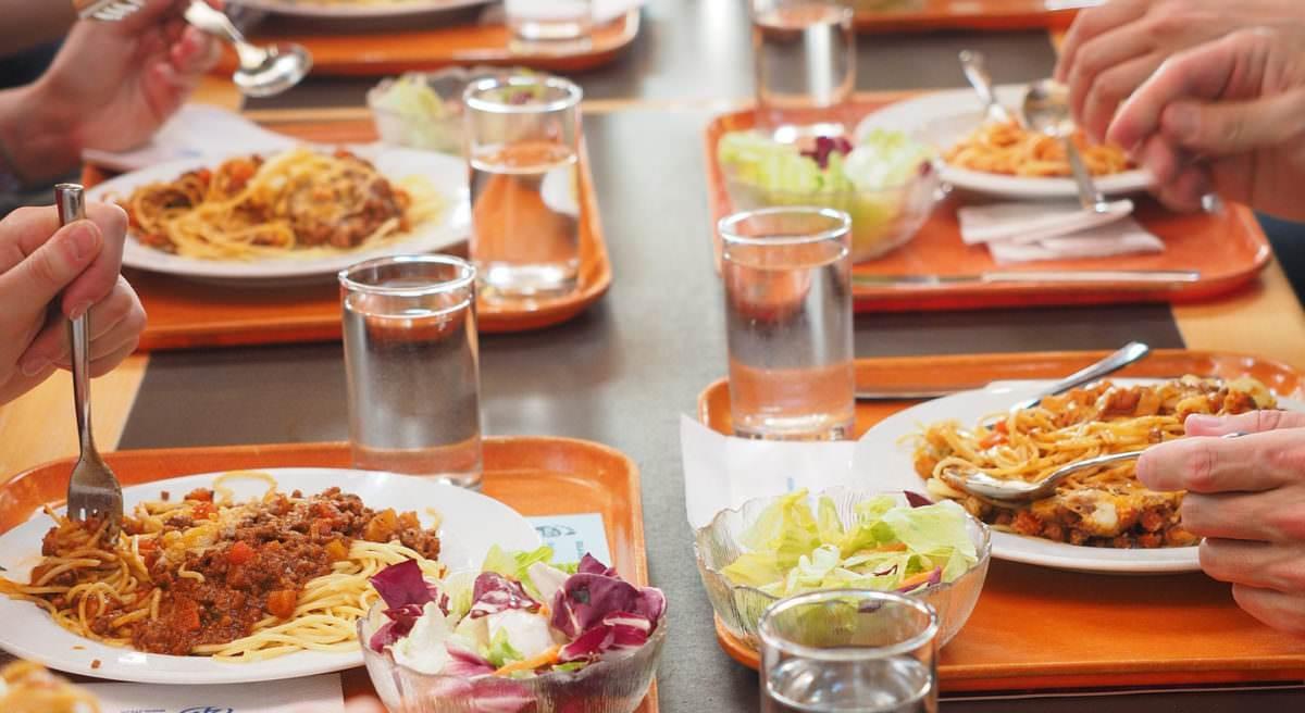 Nutrizionista Genova - Piani alimentari per chi mangia in mensa